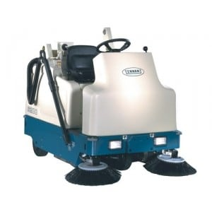 Tennant 6200 Ride On Sweeper